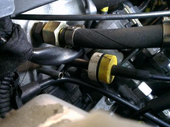 Drosselklappe vom X16XEL von Fahrerseite mit Anschlüssen